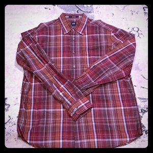 New Gap fitted plaid shirt. Never worn Large
